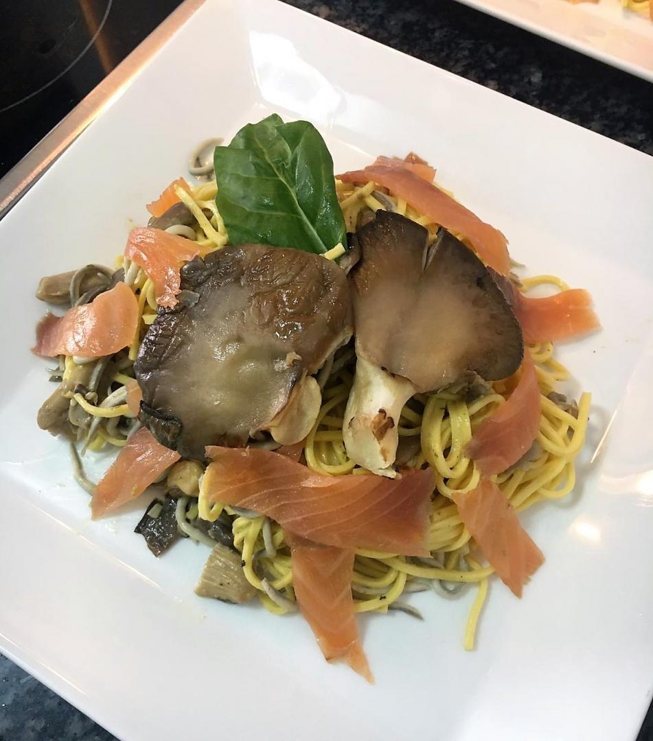 ¿Nos enseñas tu receta? Pasta con setas, gulas y salmón - Jorge Segorbe